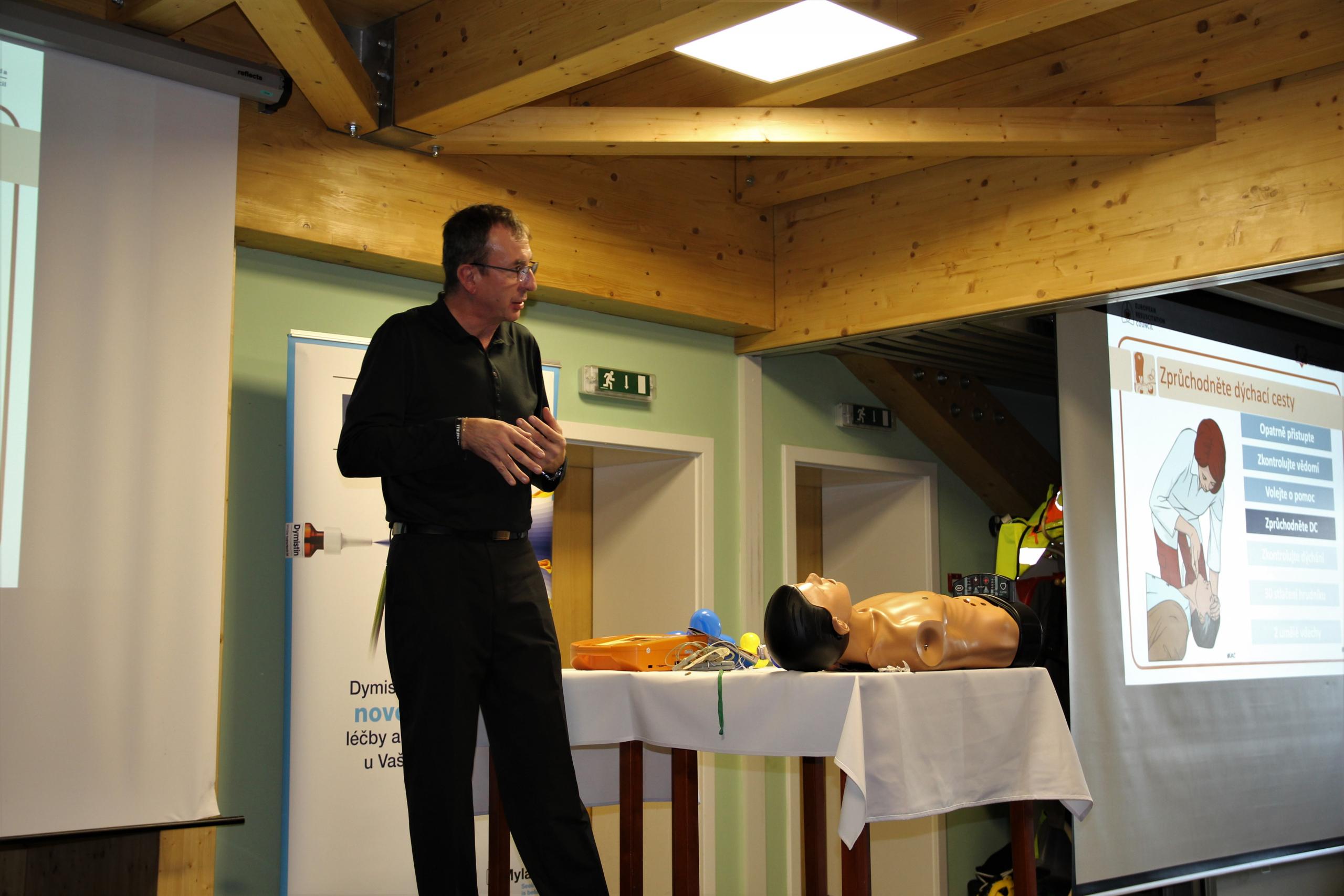 XXIV.  Beskydský ORL den – R. Gřegoř vysvětluje zásady první pomoci